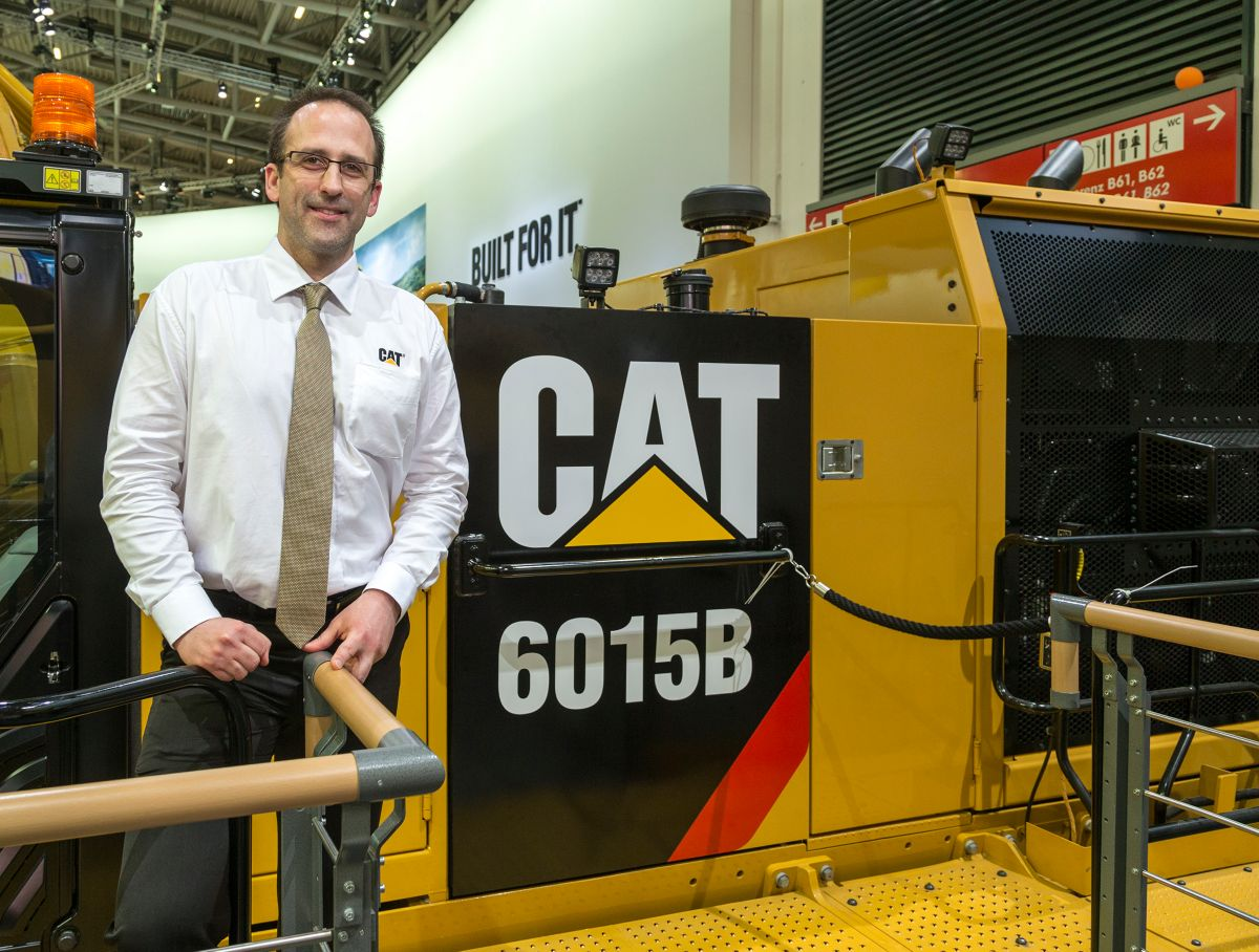 Kraftstoffeffizienter, neuer Cat Großhydraulikbagger 6015B hinterlässt starken Eindruck auf der bauma 2016
