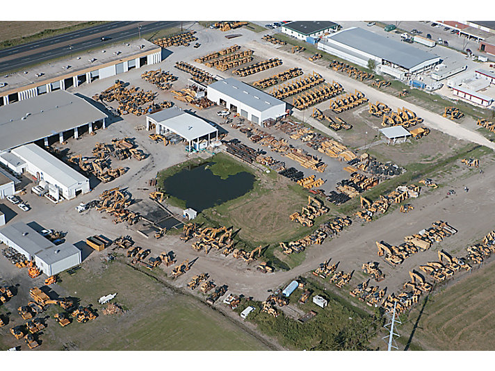 Louisiana Cat® acquired 400 machines to support the clean-up.