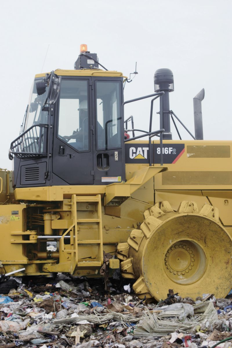 Landfills With Tractors : New f series landfill compactor for sale thompson