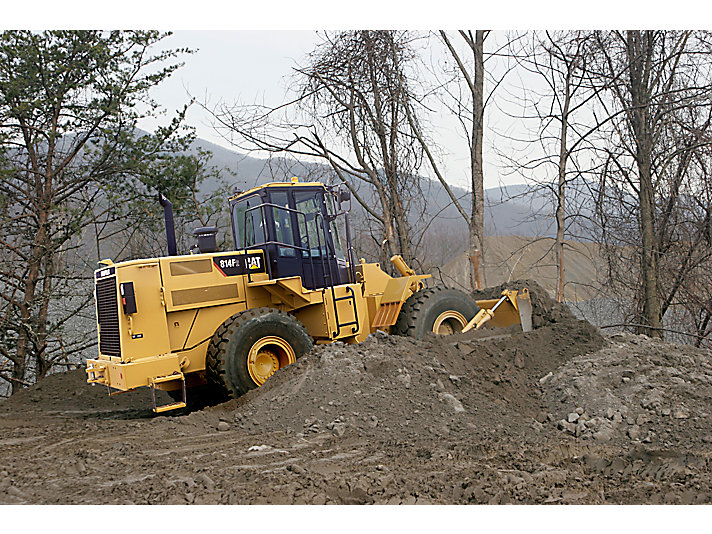 814F Series 2 Medium Wheel Dozer
