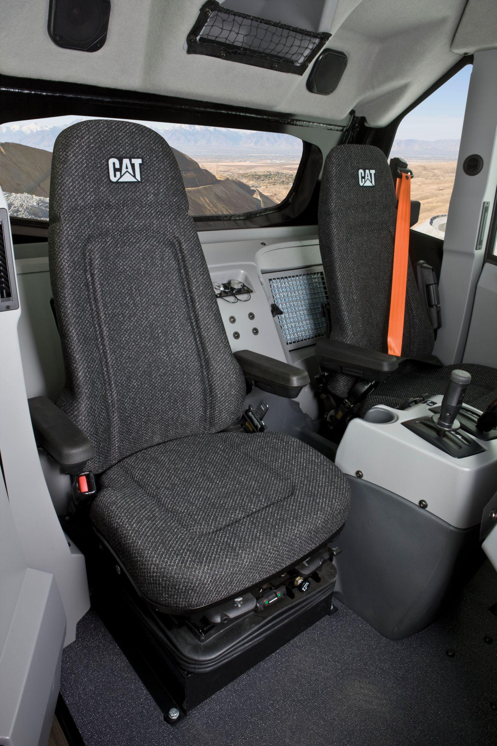 Integral ROPS Cab