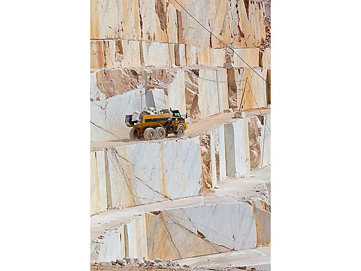 725 Articulated Trucks