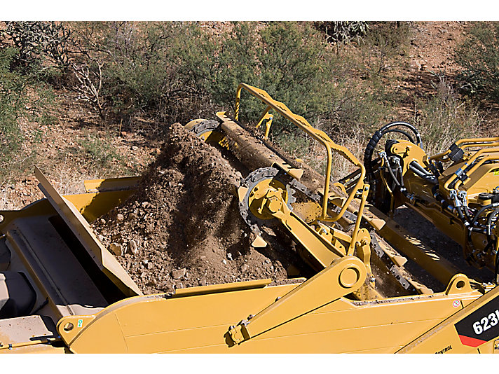 623H 升运式铲运机