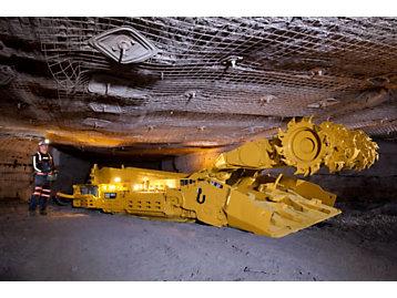 Cat CM235 Continuous Miner