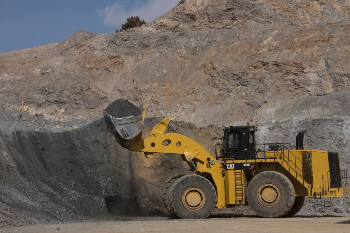 Loading Tool: Cat® 993K Large Wheel Loader