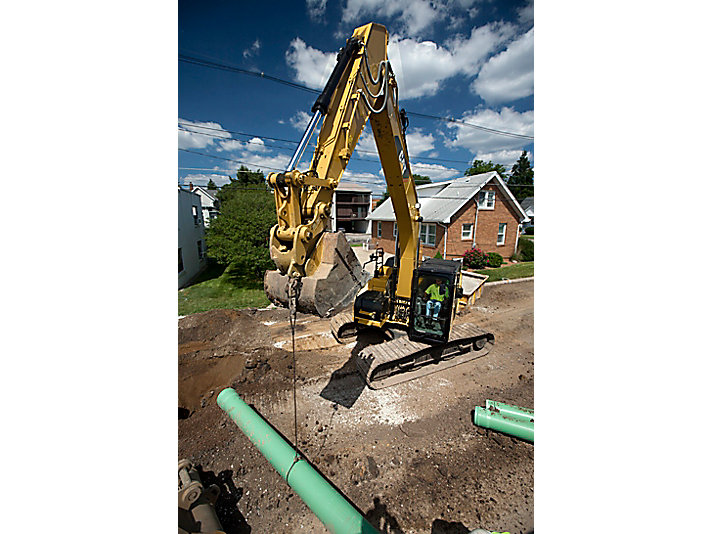 320E LRR Medium Hydraulic Excavator