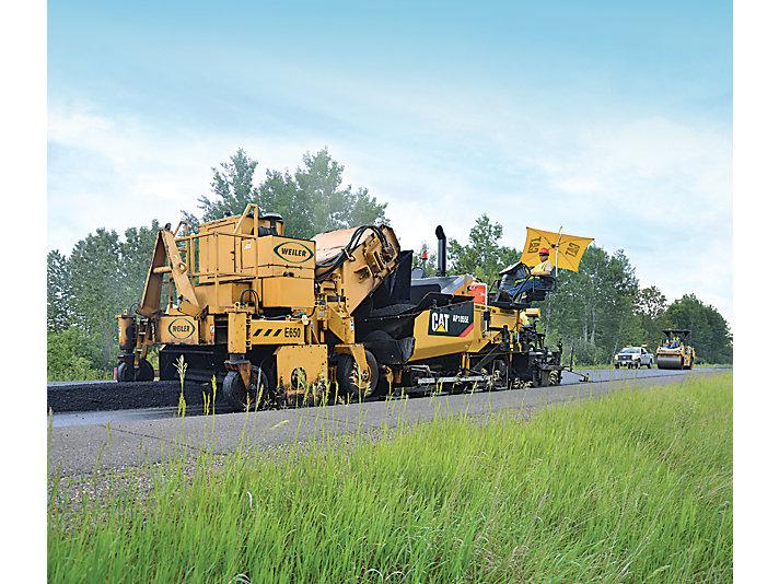 AP1055E Track Asphalt Paver