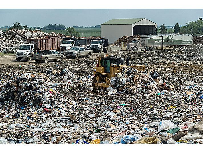 D8T WH Waste Handler