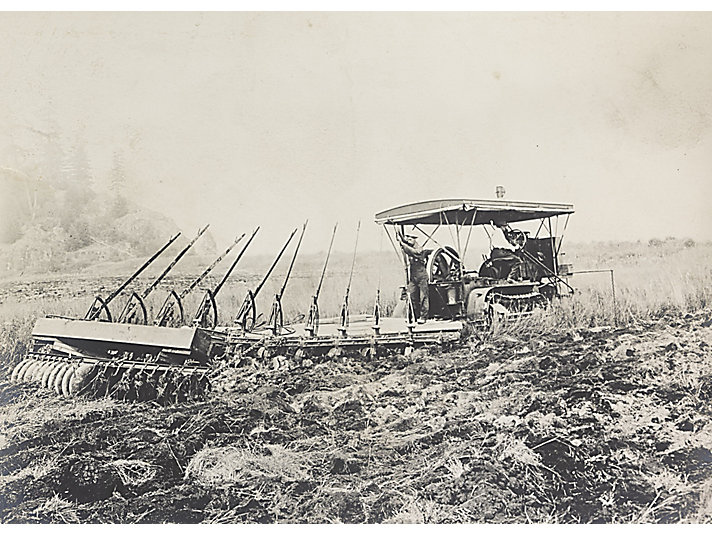 Holt Caterpillar 60 track-type tractor working outside Vancouver, Canada, in 1912.