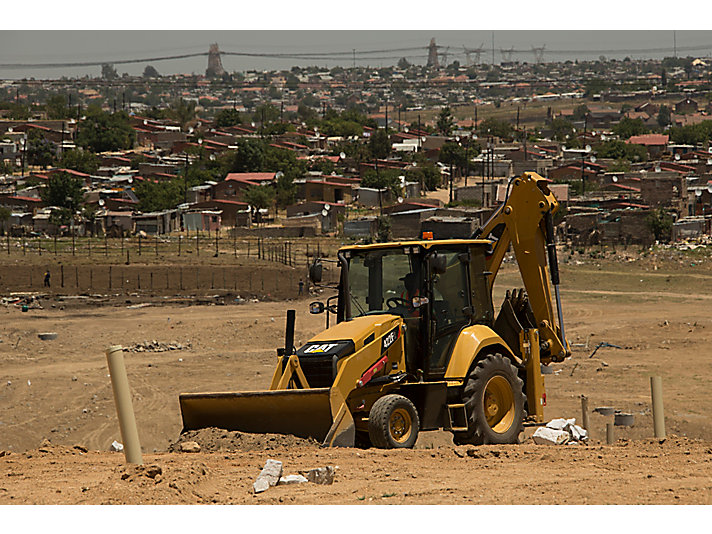 422F2 Backhoe Loader, South Africa, Construction.
