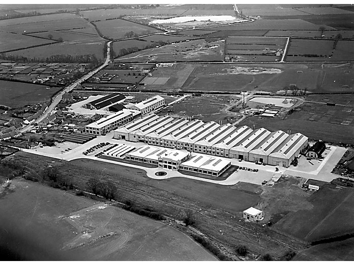 In 1998 Caterpillar acquired Varity Perkins and changed the name to Perkins Engines Company Limited of Peterborough, England.