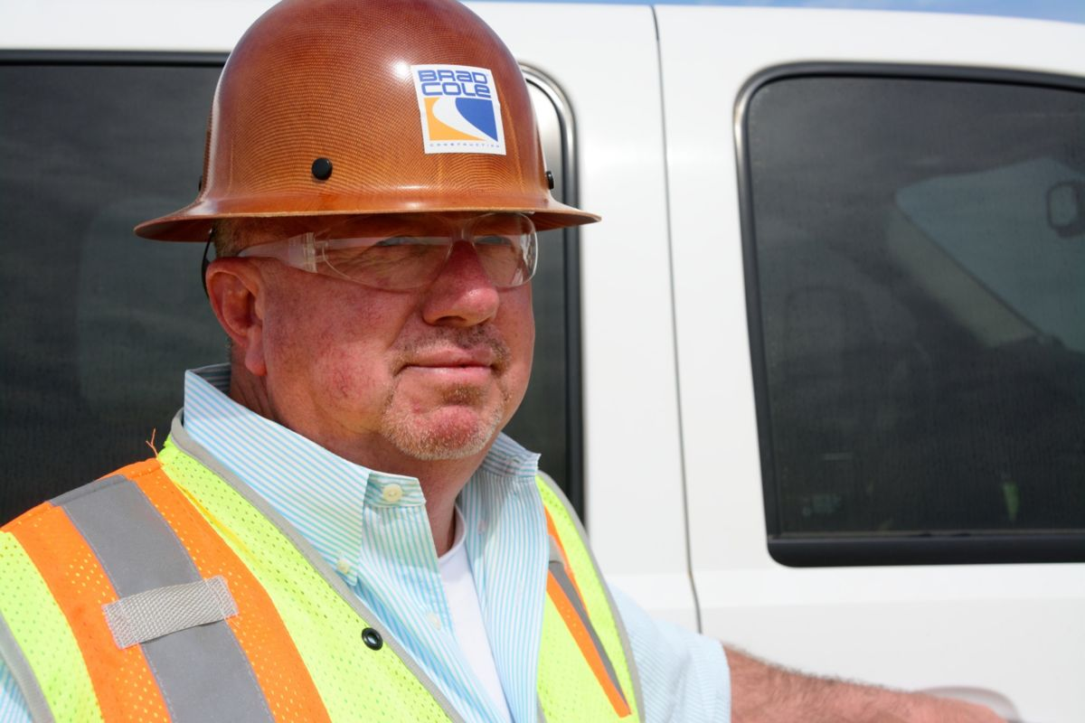 """We love the new 3D technology,"" says David Walker, Equipment Manager, Brad Cole Construction Co. ""It's so easy to set up—it's not time consuming at all. Our guys can walk up, plug in and have it ready to go when it pulls up on the job in just a matter of seconds."""