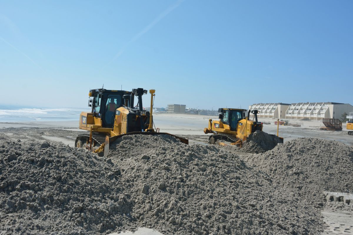 Cat Products Work to Restore New Jersey Shoreline