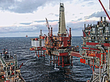 Cat engine support for offshore drilling