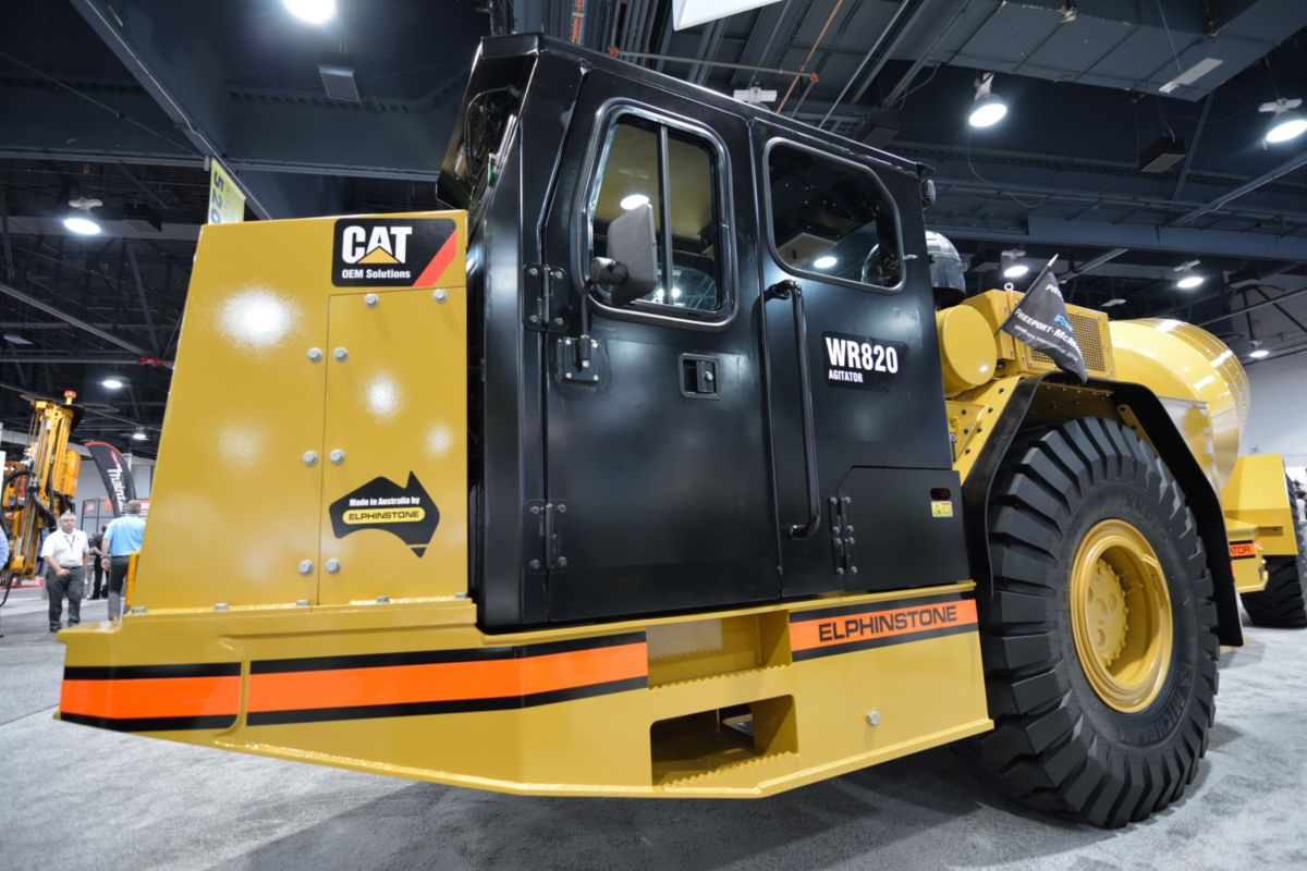 The Elphinstone WR820 is based on Cat® systems and components.