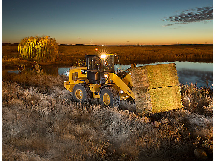 Chargeur à bras télescopique agricole 930M