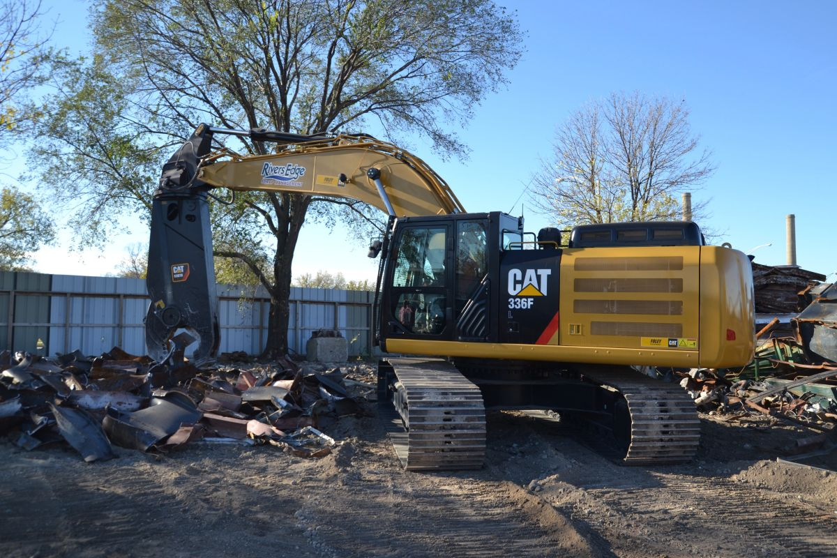 Designed specifically for excavators working in scrap and demolition applications, the S3070 offers an ideal force-to-weight ratio that yields faster cycle times and more cuts per hour.