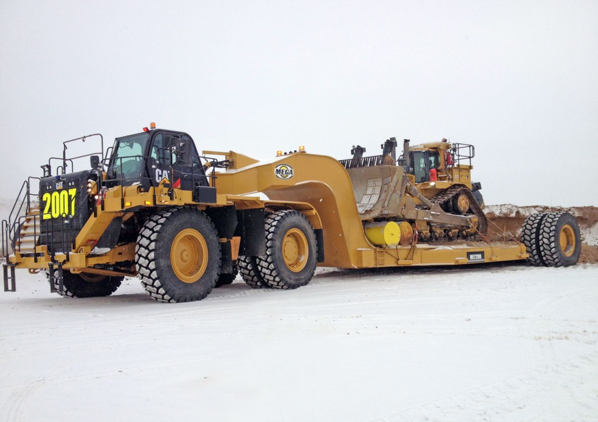 The Mega Equipment Trailer (MET) can be custom designed to fit dozers, excavators, shovels and other heavy equipment found in mines and on large earthmoving projects.