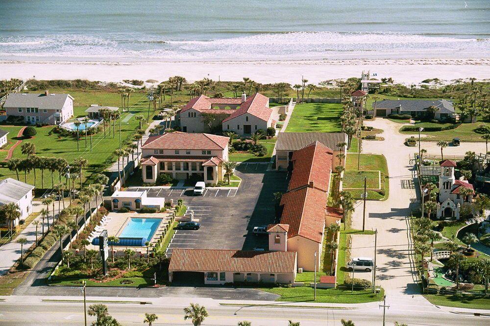 La Fiesta Ocean Inn in St. Augustine Beach, Fla. is a beachfront hotel that distinguishes itself on customer service.