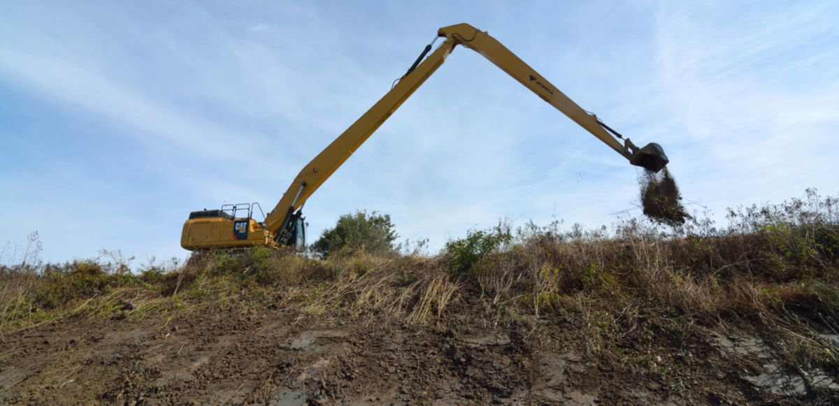 WHY LITTLE RIVER DRAINAGE DISTRICT CHOOSES CAT® SPECIALTY EXCAVATORS