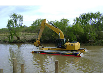 Sustainability dredging work done by amphibious excavator
