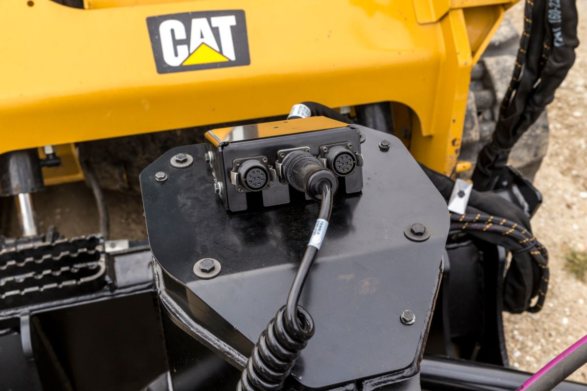 Cat Bb124 Box Blade Caterpillar Felling Trailer Wiring Harness For A Technology Components Are Centrally Located And Simply Route To Their Respective Harnesses Back This Location On The Tool Then Single Routes