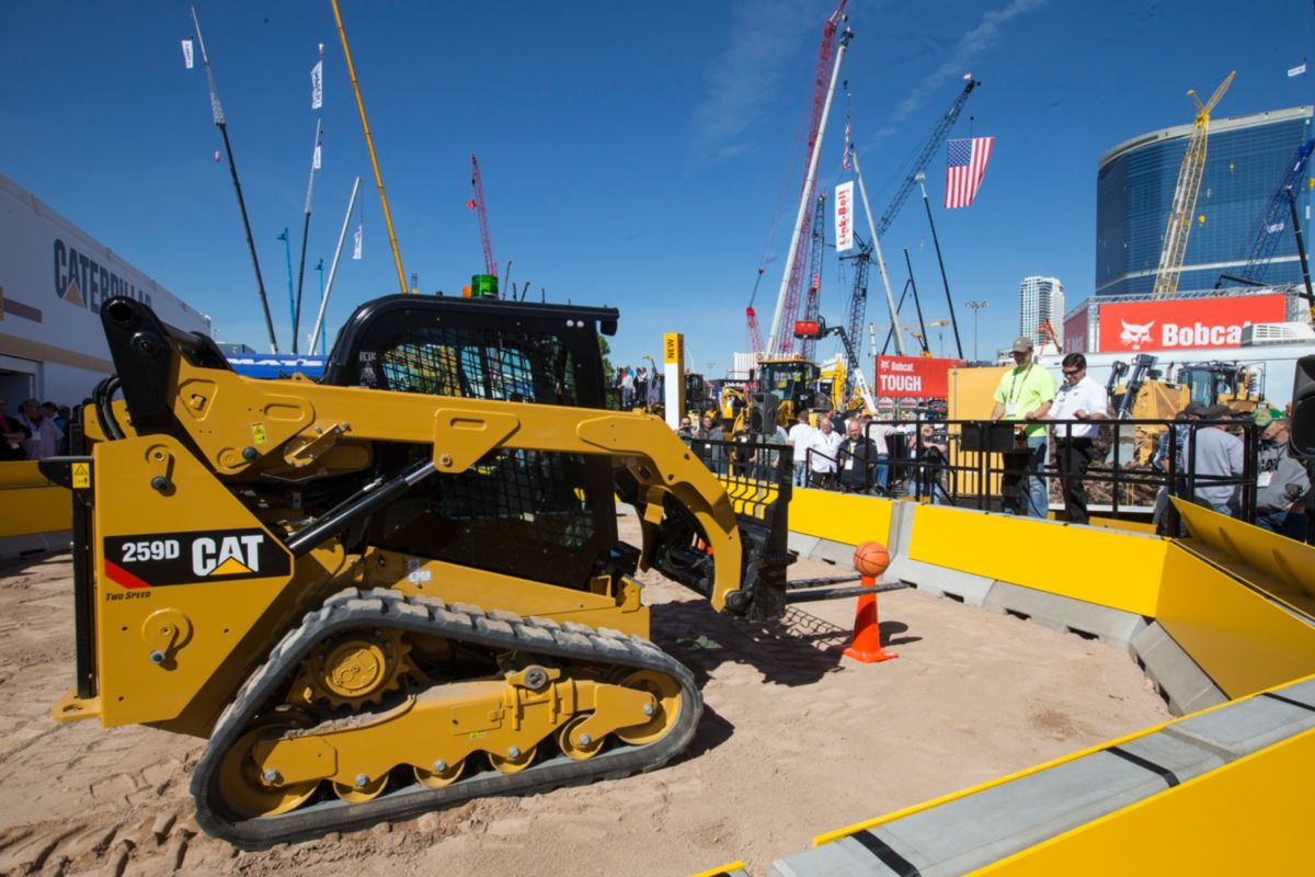 Attendees Remotely Operate Cat® Machines at CONEXPO