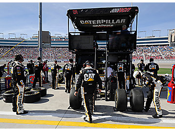 Meet the crew that keeps the Cat Racing No. 31 car in top performance throughout the NASCAR Sprint Cup Racing Schedule.
