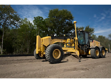 Road Maintenance Operators Give Cat® Stable Blade Their Highest Grade