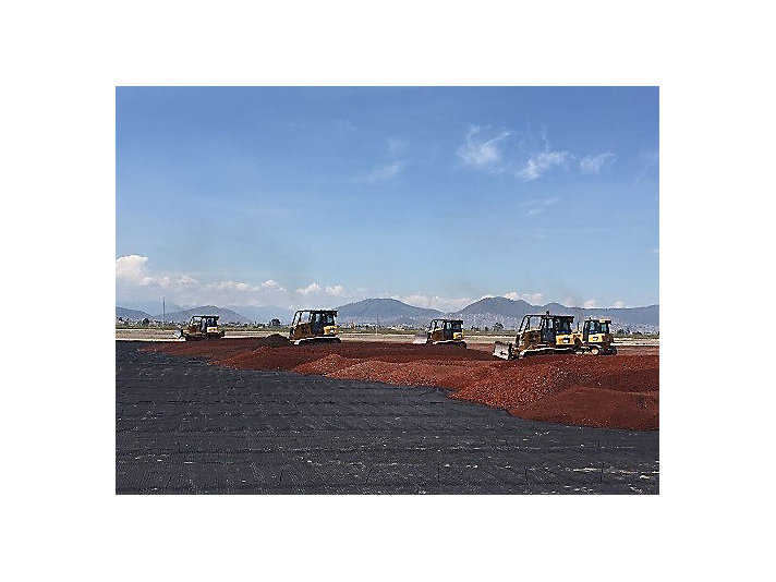 Construction on a new airport in Mexico City is now underway using Caterpillar equipment.