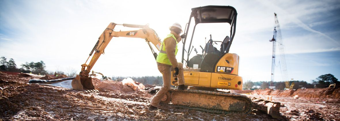Cat® Products and Dealer Support Help Small Contractor Compete with Bigger Operations