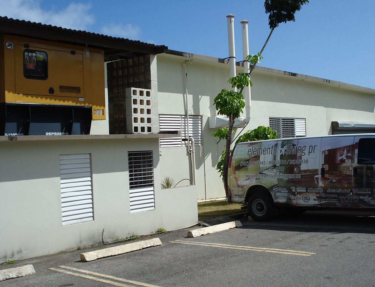 Los huracanes en el Caribe a menudo interrumpen las fuentes primarias, por lo que Elements of Living PR diseña energía de reserva en los hogares de sus clientes y en los espacios de trabajo.