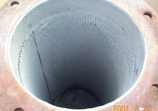 Figura 8: Interior de un silenciador con residuo de siloxano
