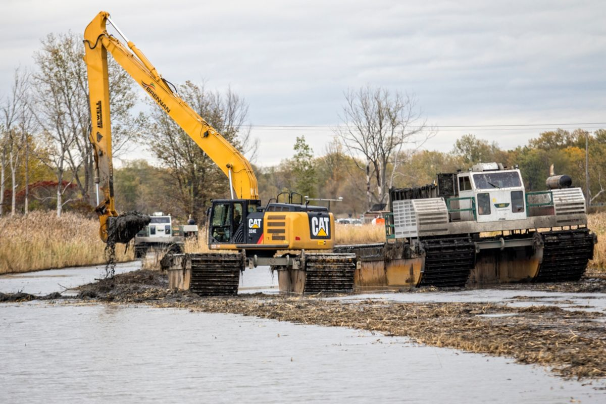 Machines custom-built for work on the water are an essential component to Brennan's environmental commitment. Caterpillar OEM Solutions supplies the machines, and the network of dependable Cat® dealers supports the environmentally friendly fleet.