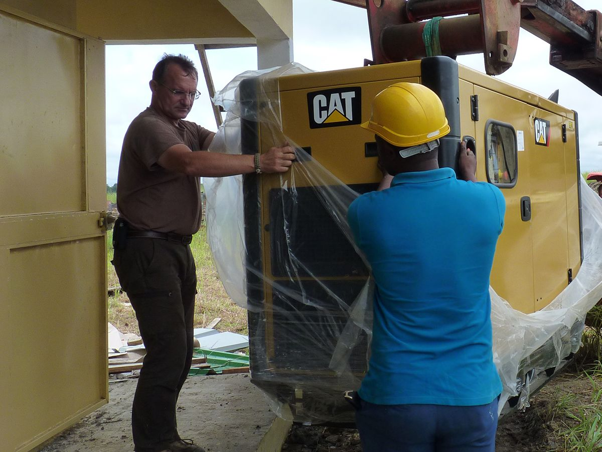 Tractafric Equipment delivers a Cat® generator set at Parc de la Lékédi in Gabon