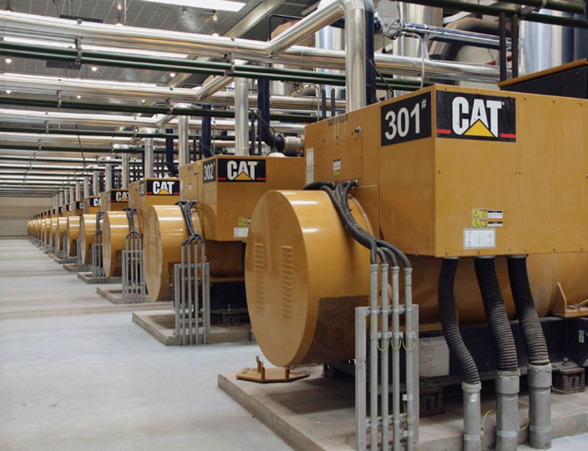 60 Cat G3520C generator sets, integrated Cat paralleling switchgear and controls