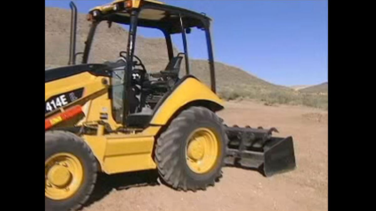 Cat® 414E Industrial Loader Walk Around