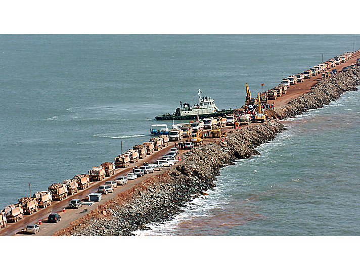 In 2006, thirty-four Cat® machines were called on to help complete the 20-mile-long Saemangeum seawall.