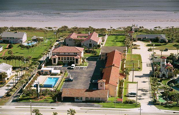 Beachfront Hotel Keeps The Power On Despite Hurricane