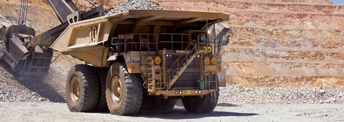 Cat® 793 mining truck fleet achieves 100,000 hours and beyond (Shown: Cat® 793B Mining Haul Truck)