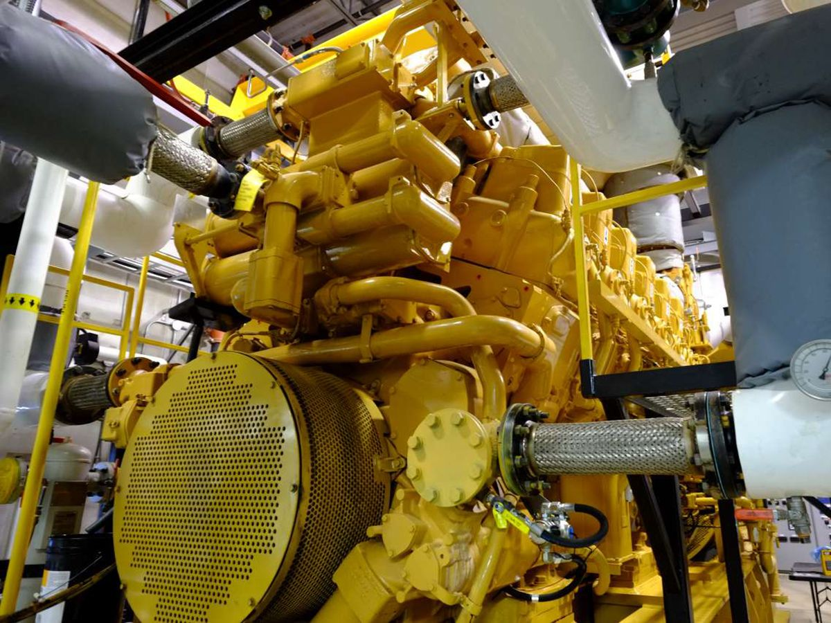 The CG260 Series generator sets provide a combined 7 MW of electricity and 7 MW of thermal energy to the Markham District Energy system.