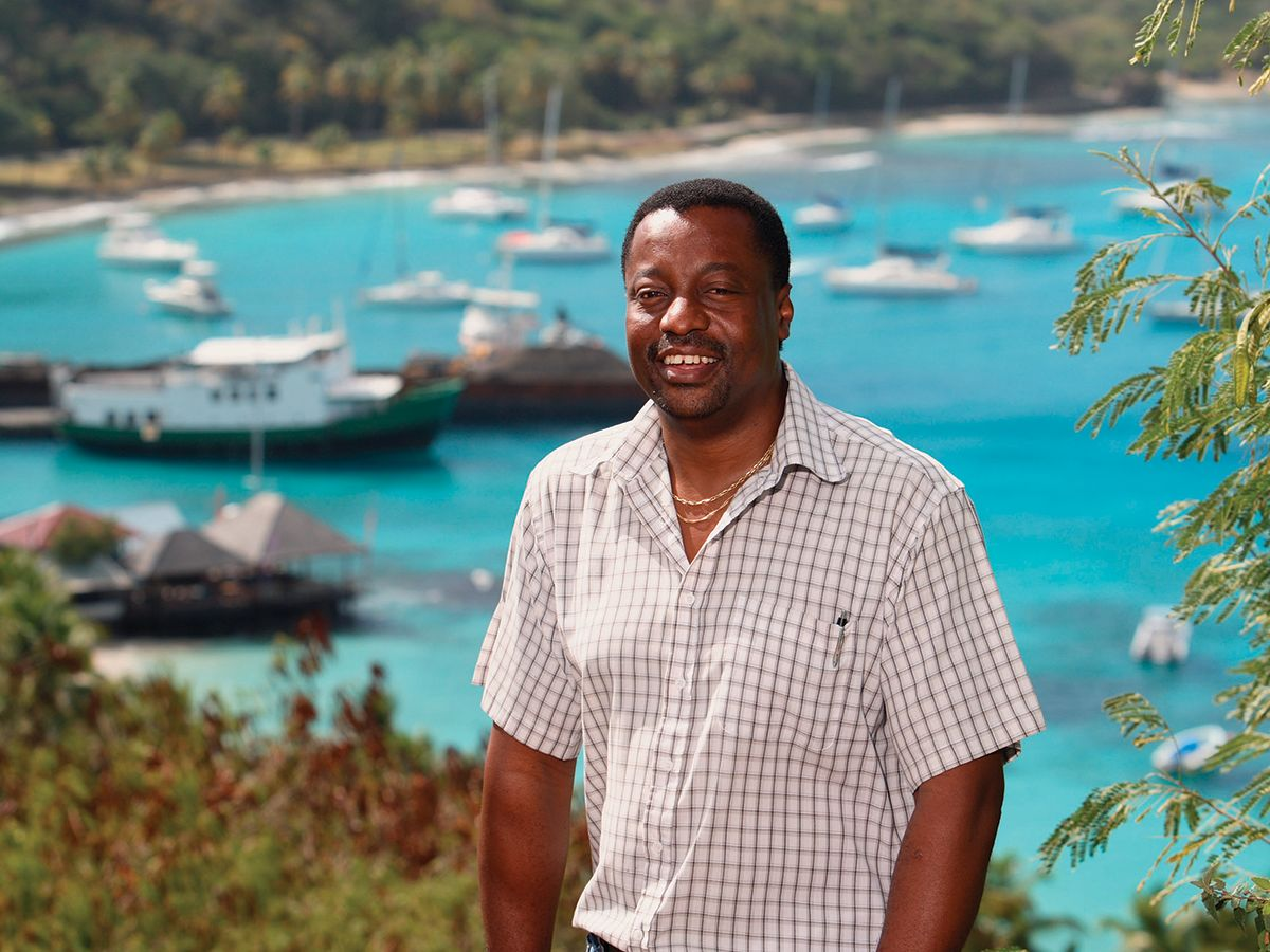 For more than 40 years, the Mustique Company has relied on Cat® generator sets to provide reliable power services to the island.