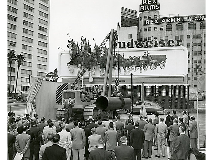 The first Cat No. 583 pipelayer being introduced to the public in Los Angeles in 1955.