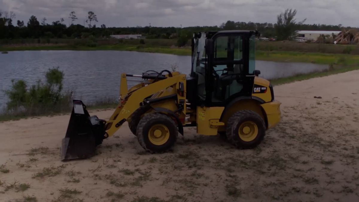 Cat® 903D Compact Wheel Loader