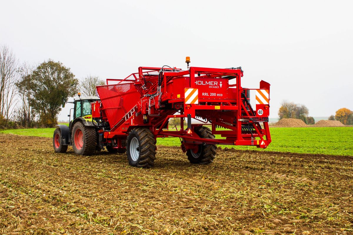 HOLMER makes life sweeter for beet farmers