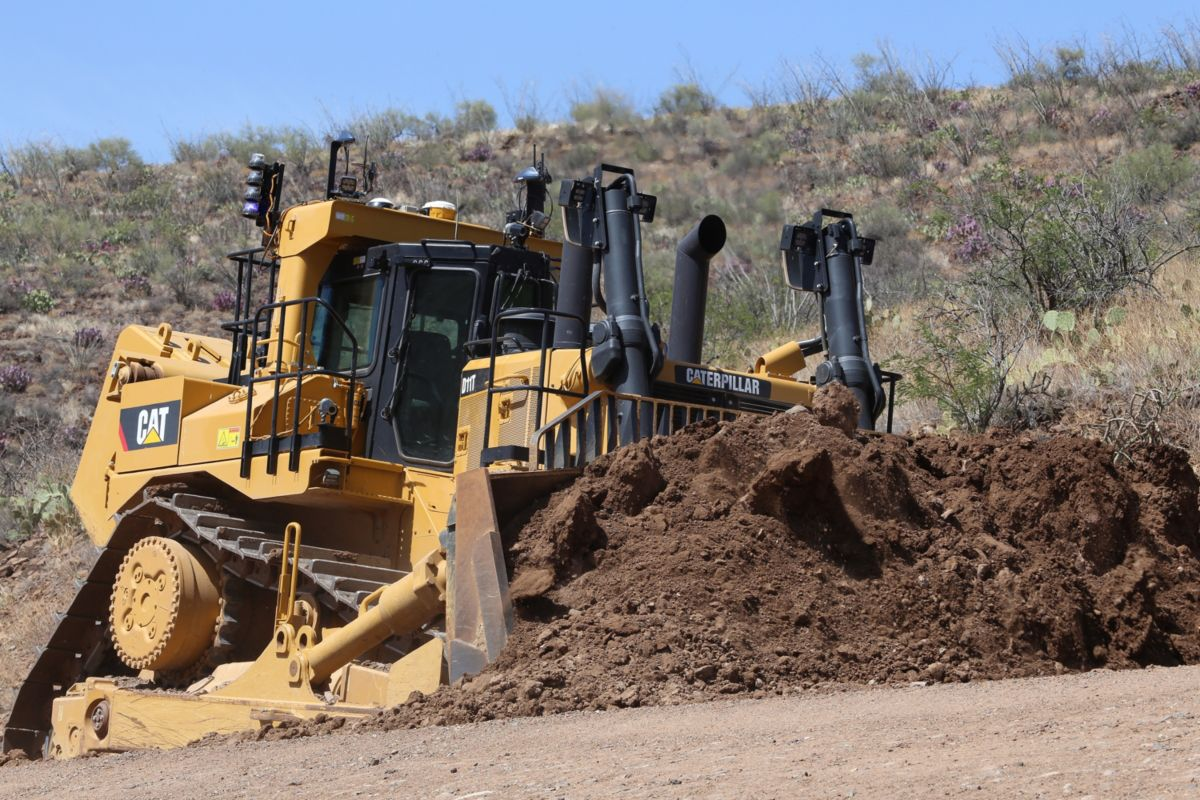 Cat D11T working via remote control