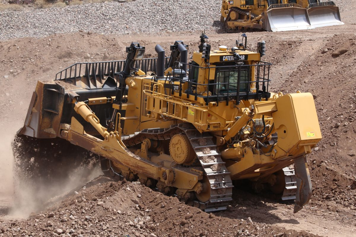 Cat D11T dozing