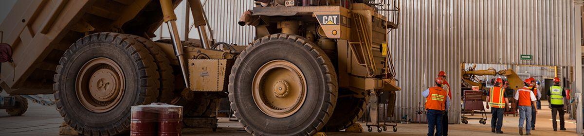 Cat® mining truck in maintenance bay