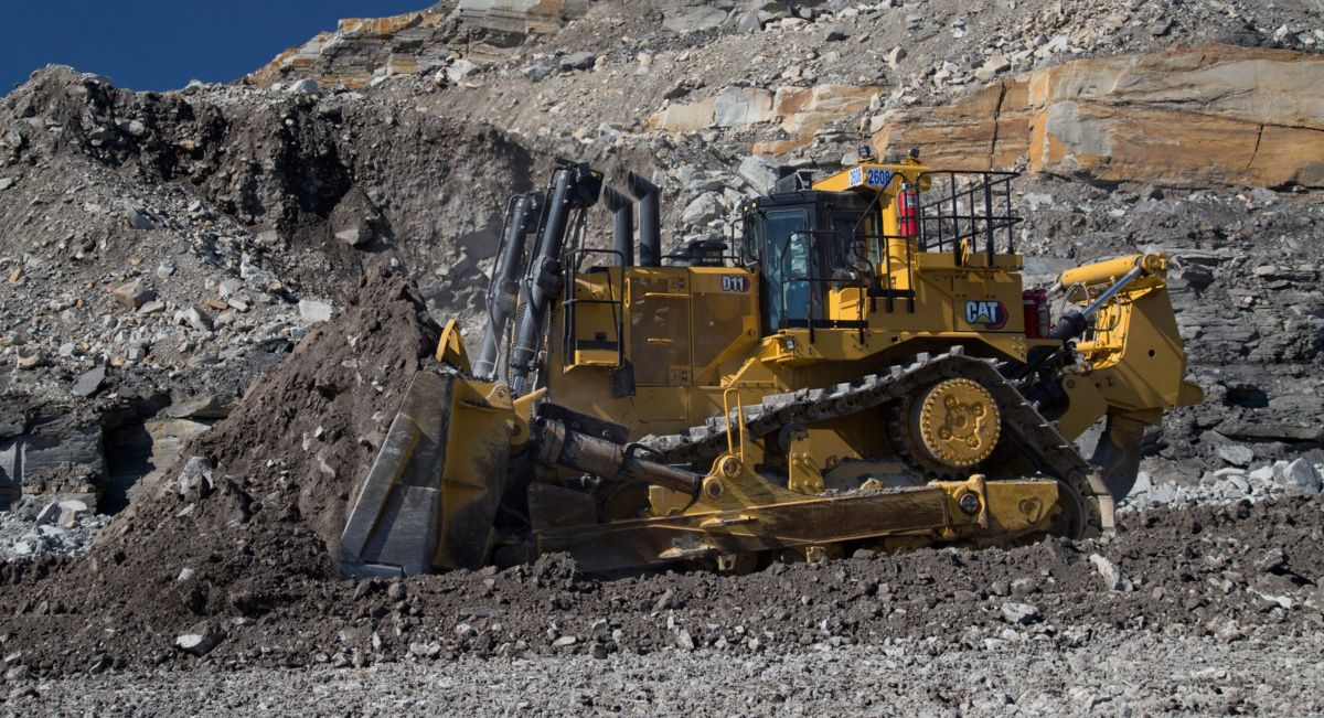 New Cat D11 pushing overburden