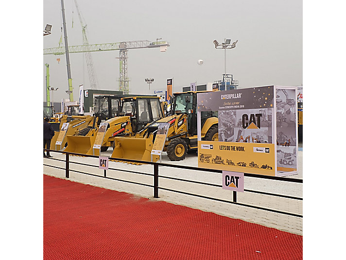 Caterpillar à l'événement BAUMA CONEXPO 2018, New Delhi